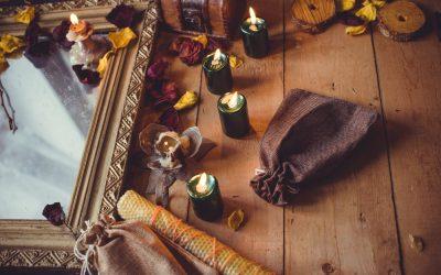 Razlika između tarota i astrologije