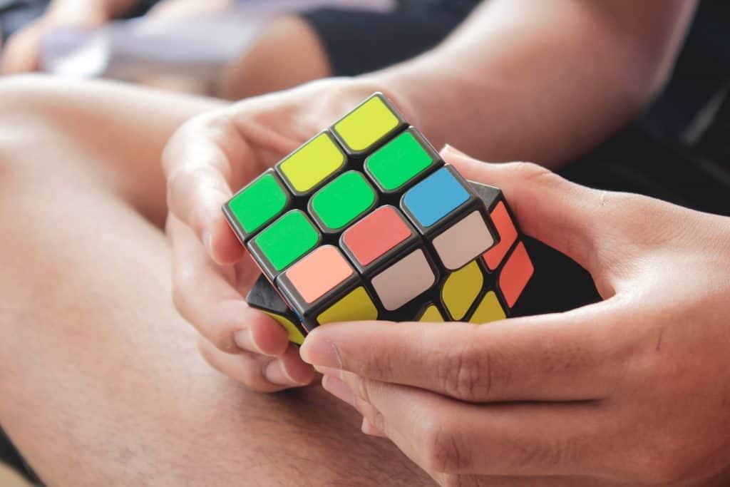 Kako složiti rubikovu kocku